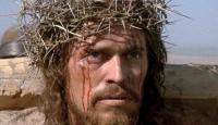 Jesus salvou-nos permanecendo na cruz